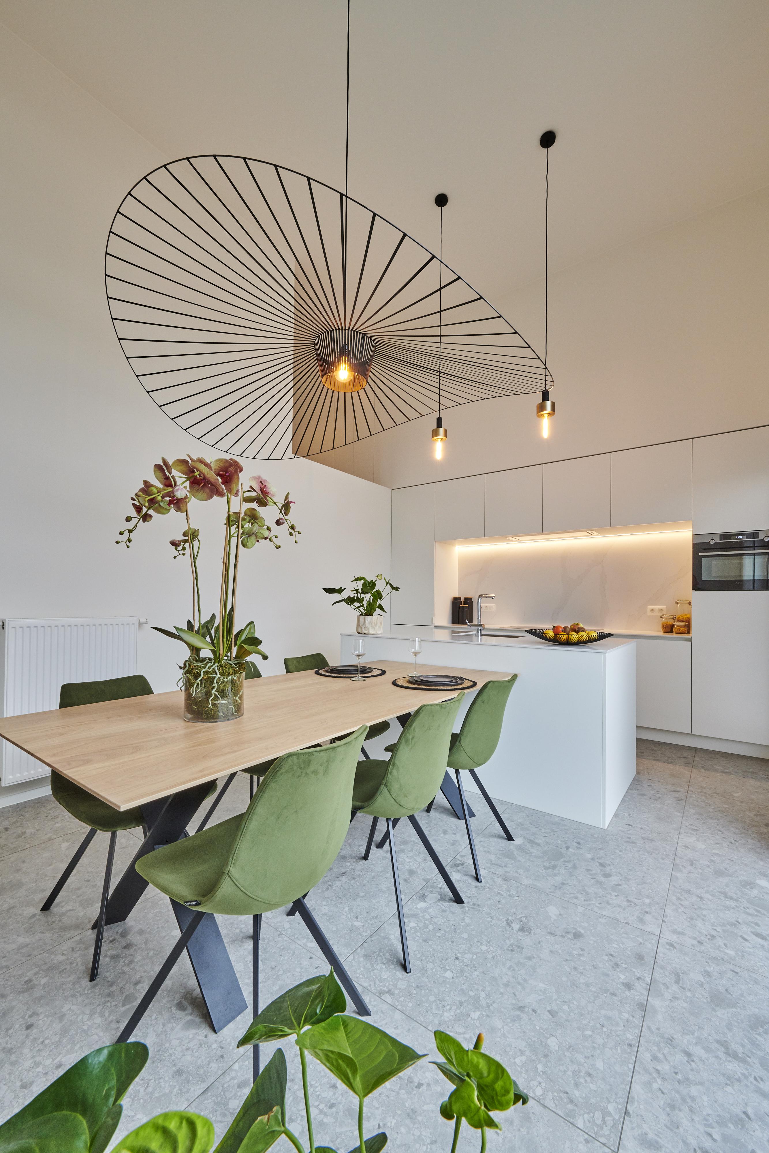 Evolution-interieurwinkel-hasselt-totaalinrichtingen-modelappartement-oHase-PW15-keuken-eetkamer