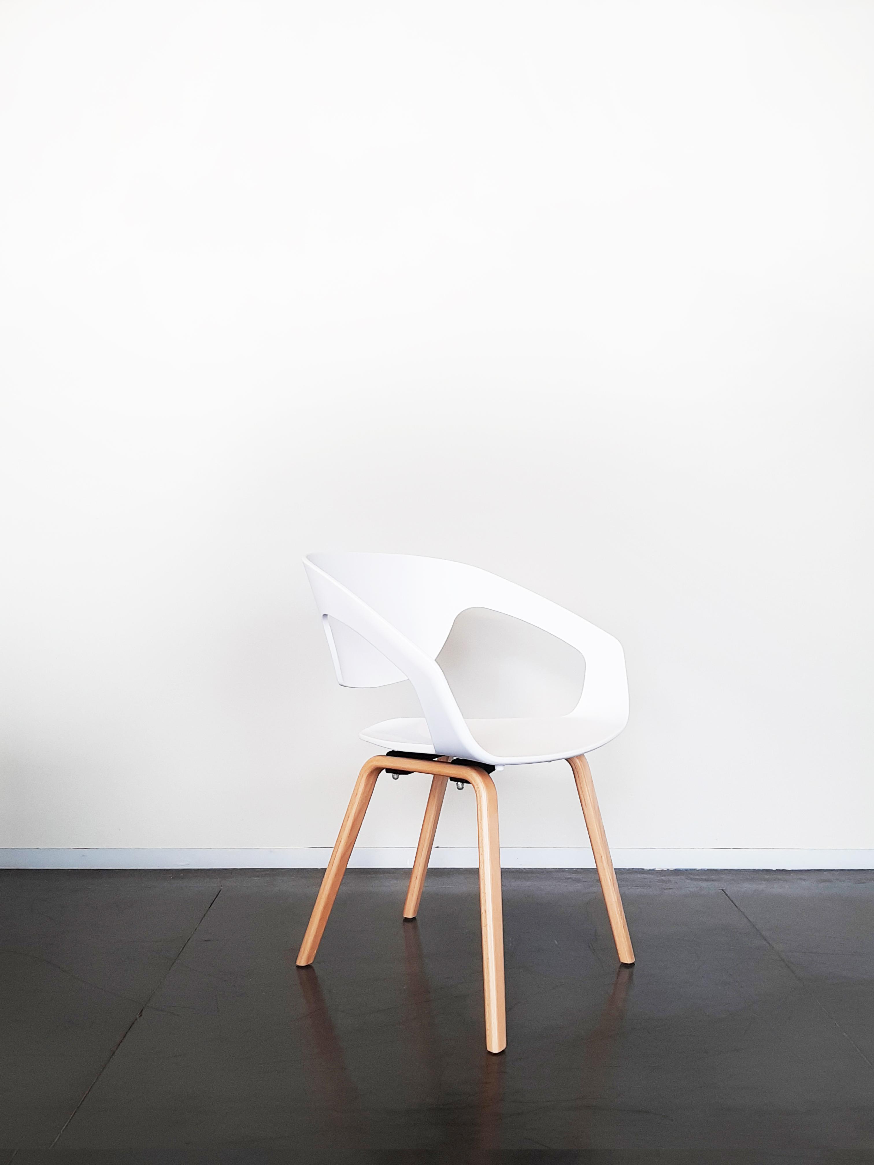 Witte Kunststof Design Stoelen.Lissabon Stoelen Van Evolution Design Stoelen In Zowel Kunststof