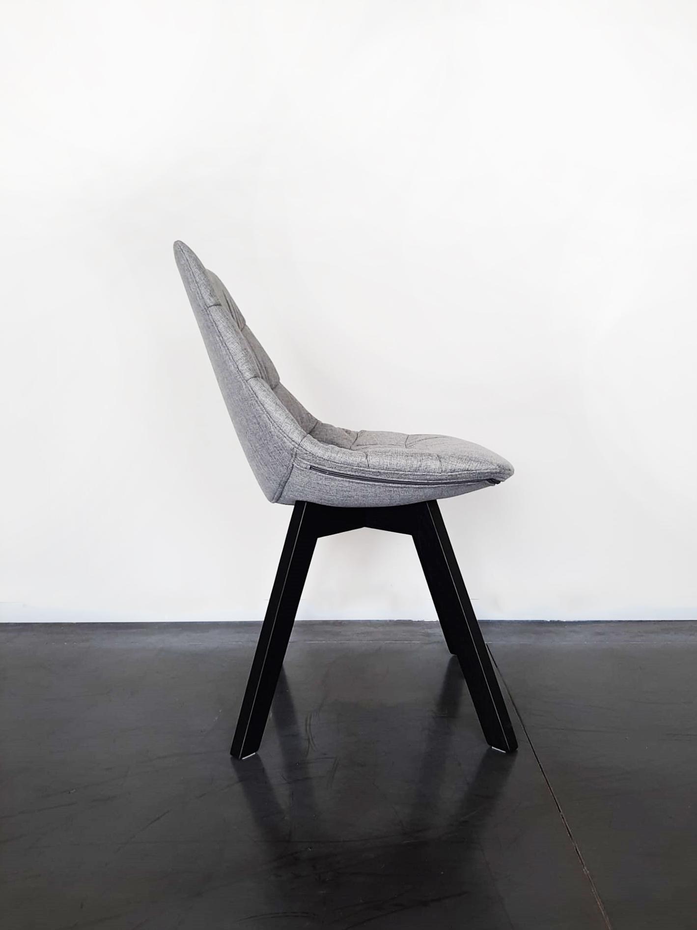 8 Zwarte Design Stoelen.Lissabon Stoelen Van Evolution Design Stoelen In Zowel Kunststof