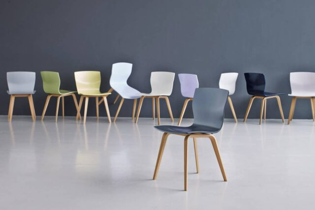 Lila stoel butterfly Evolution Toonzaalmodel solden design meubelen Haslev butterfly