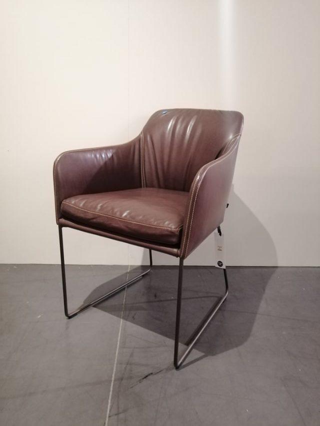 YOUMA KFF Evolution Toonzaalmodel solden design meubelen 2
