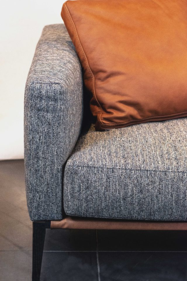 Design-Meubels-Hasselt-Evolution-Ace-sofa-detail-leer