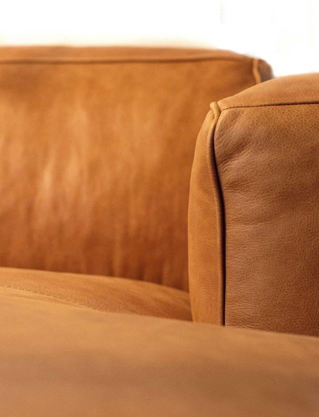 Design-Meubels-Hasselt-Evolution-Havana-sofa-L2-detail-leer