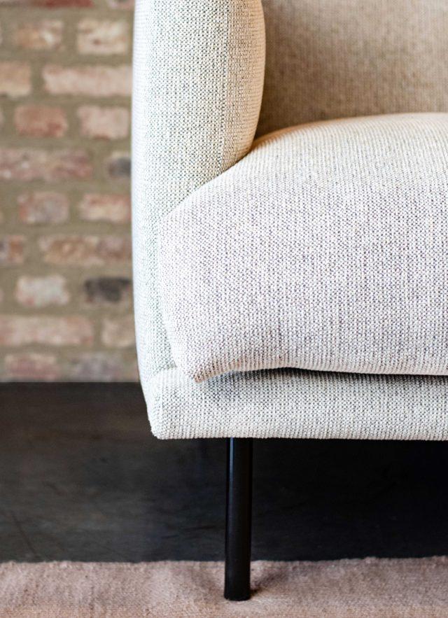Design-Meubels-Hasselt-Evolution-Loan-sofa-zwarte-poten
