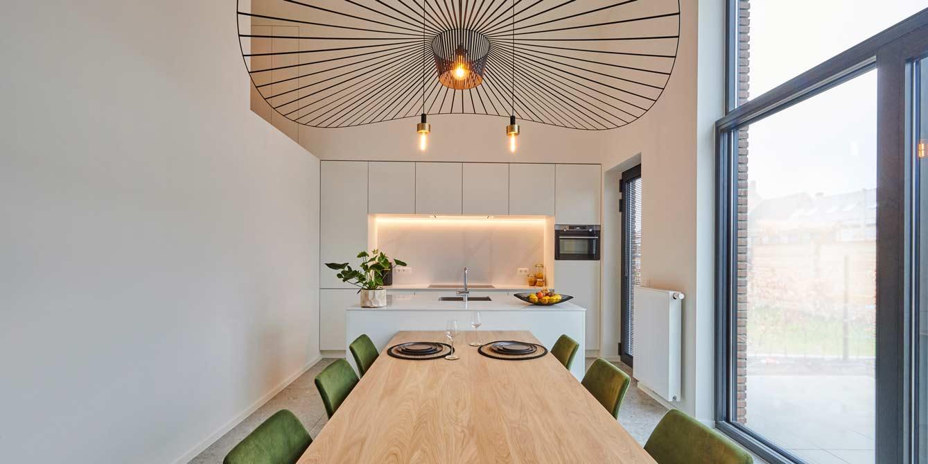 Evolution-interieurwinkel-hasselt-modelappartement-homstaging-ohase-kitchen-1339x670