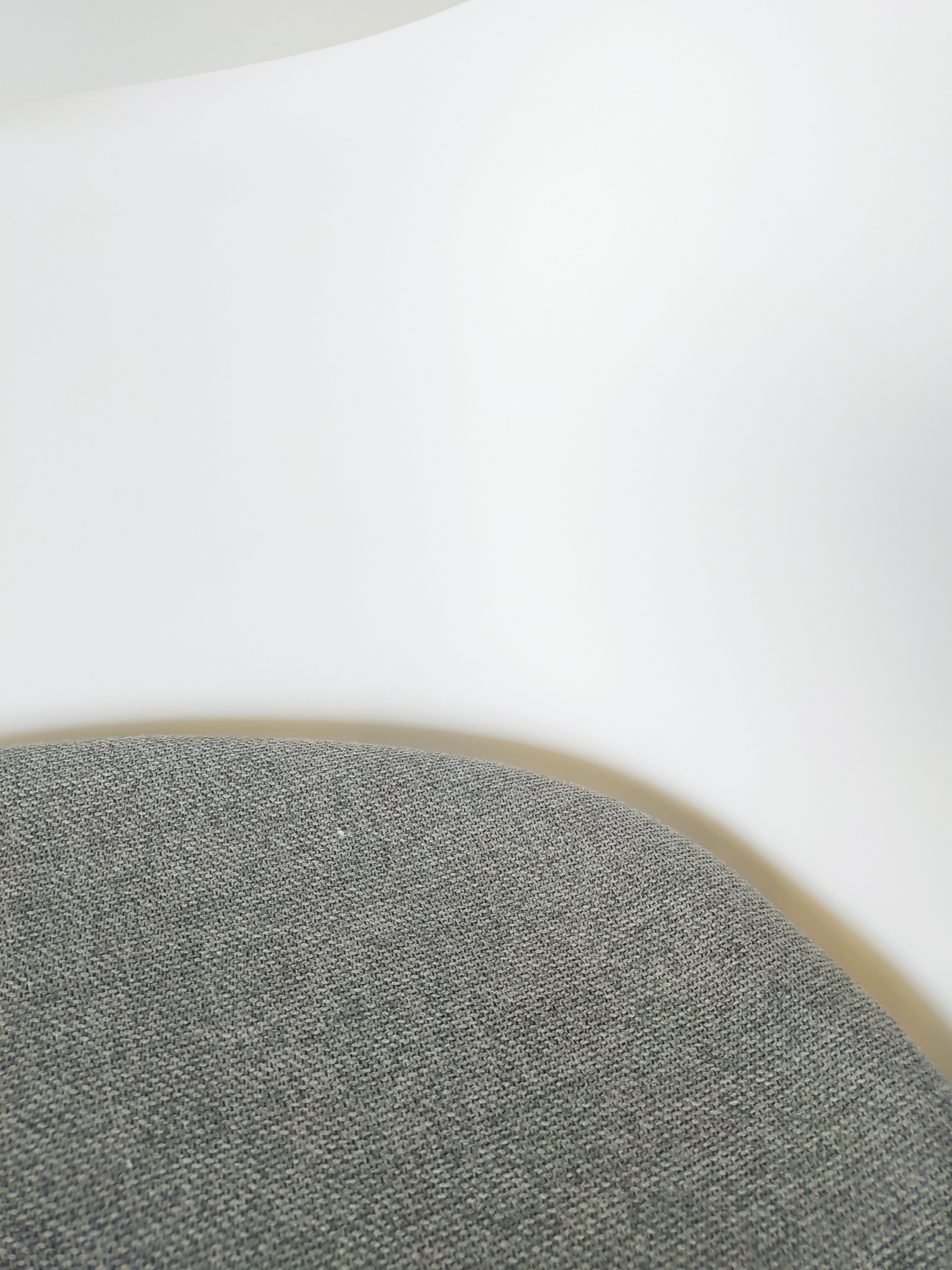 Evolution-hasselt-interieurwinkel-meubelen-design-stoelen-ohio-kuip-chair-detail