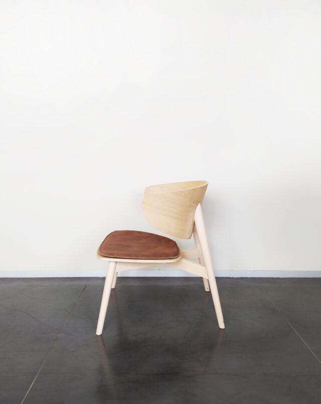 Evolution-hasselt-interieurwinkel-meubels-design-stoelen-fauteuil-isola-naturel