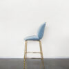 Evolution-hasselt-interieurwinkel-design-meubelen-krukken-scandinavisch-elliot-chair-velvet-blauw