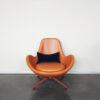 Evolution-hasselt-interieurwinkel-meubelen-design-leder-fauteuil-otto-vooraanzicht