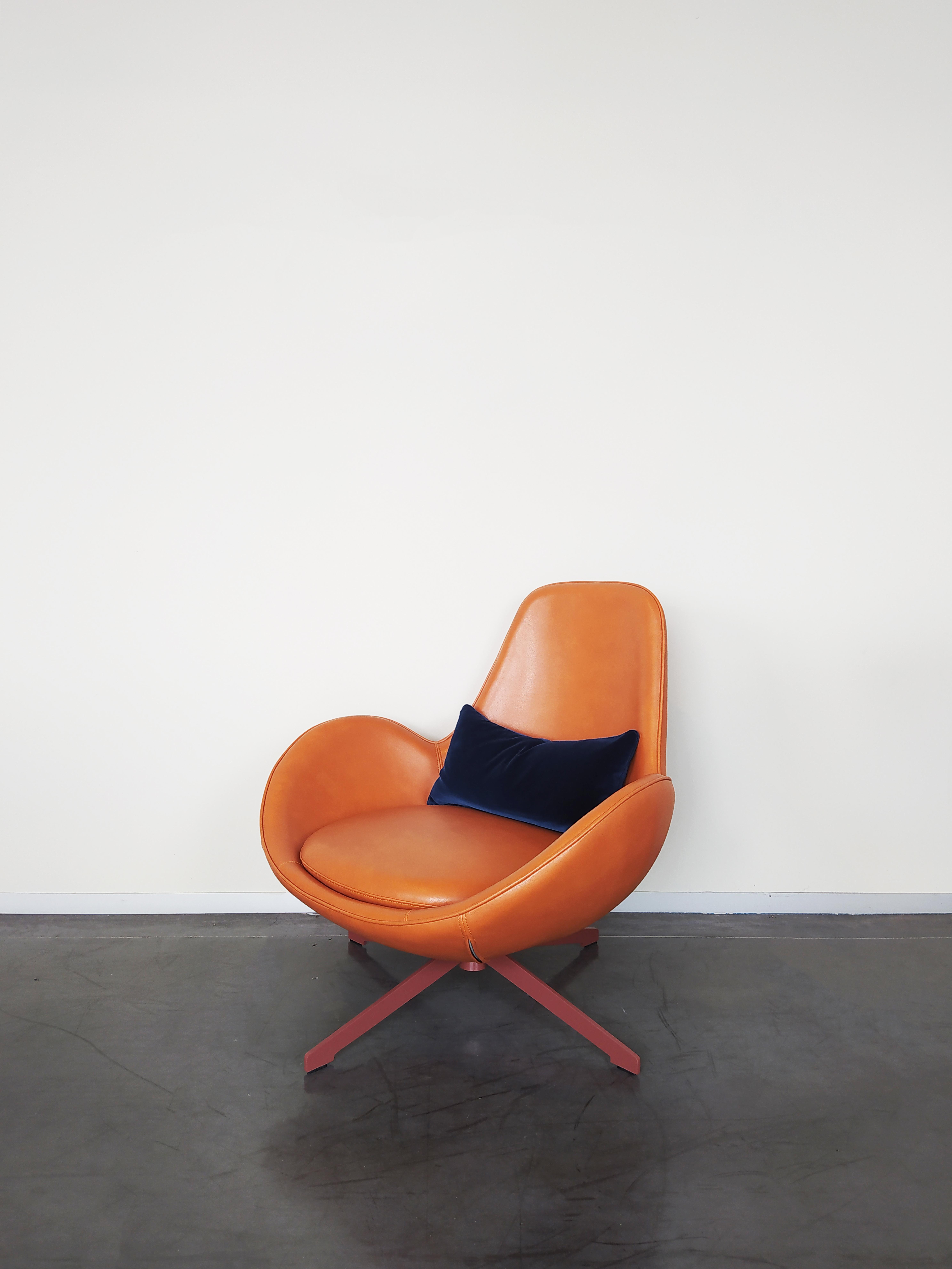 Evolution-hasselt-interieurwinkel-meubelen-design-leder-fauteuil-otto